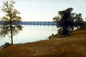 Stillhouse_Hollow_Lake_with_bridge