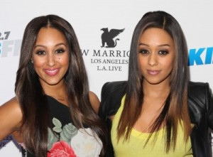 tia-and-tamera-3_400x295_29